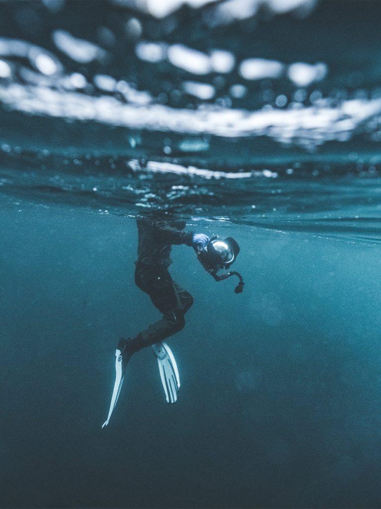 flossen-unterwasserkamera-fotograf