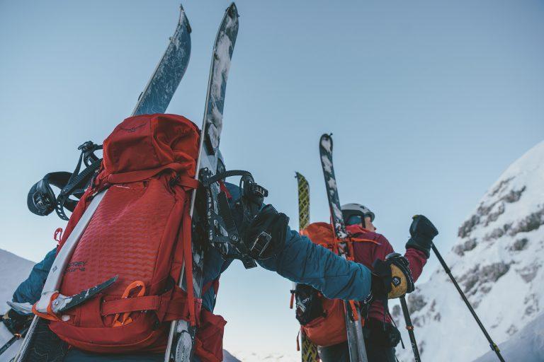 skitour-rucksack-aufstieg-berg