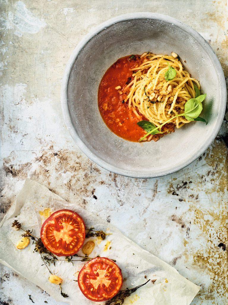 spaghettoni-tomatensauce-pasta-italienisch-pomodoro