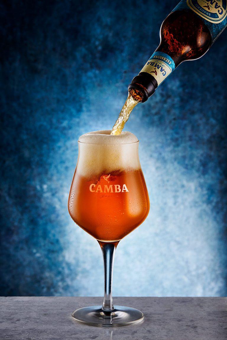 bier-glas-flasche-einschenken-lecker