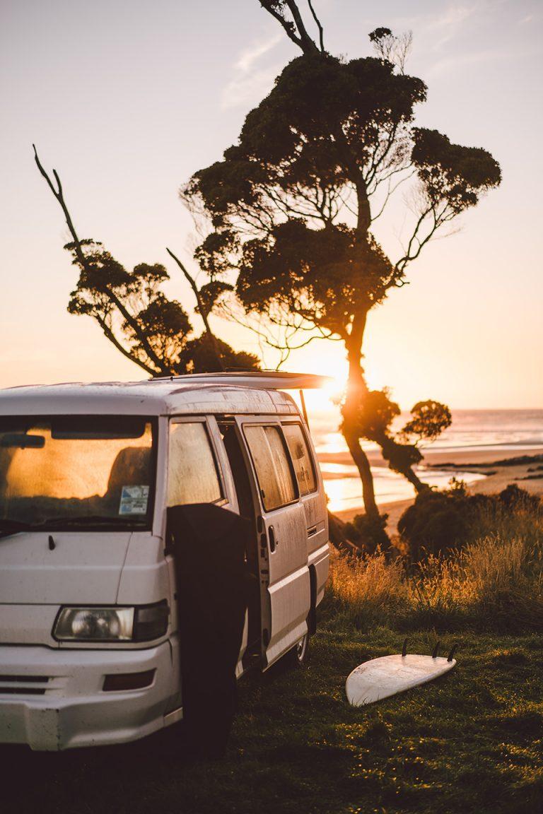campervan-neuseeland-reisen-abenteuer-sonnenaufgang