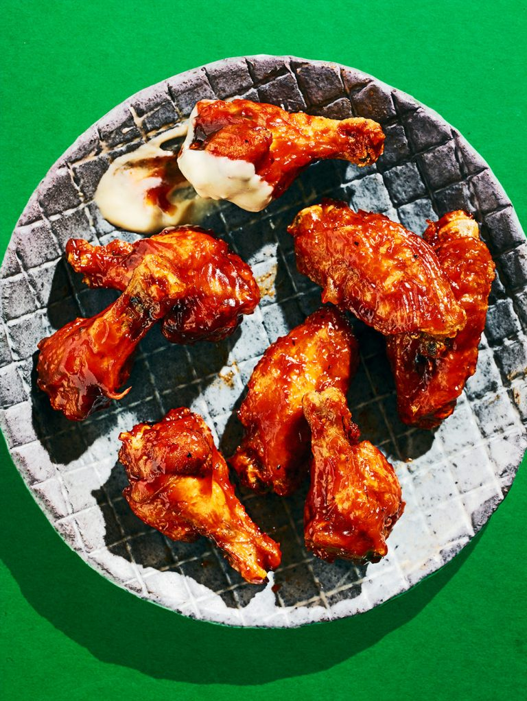 chicken-wings-barbecue-fastfood