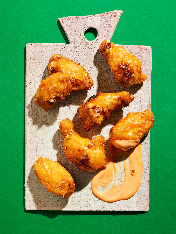 garlic-chicken-wings-sauce-fastfood