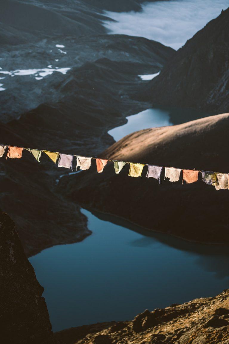 himalaya-gebetsfahne-nahaufnahme-sonne