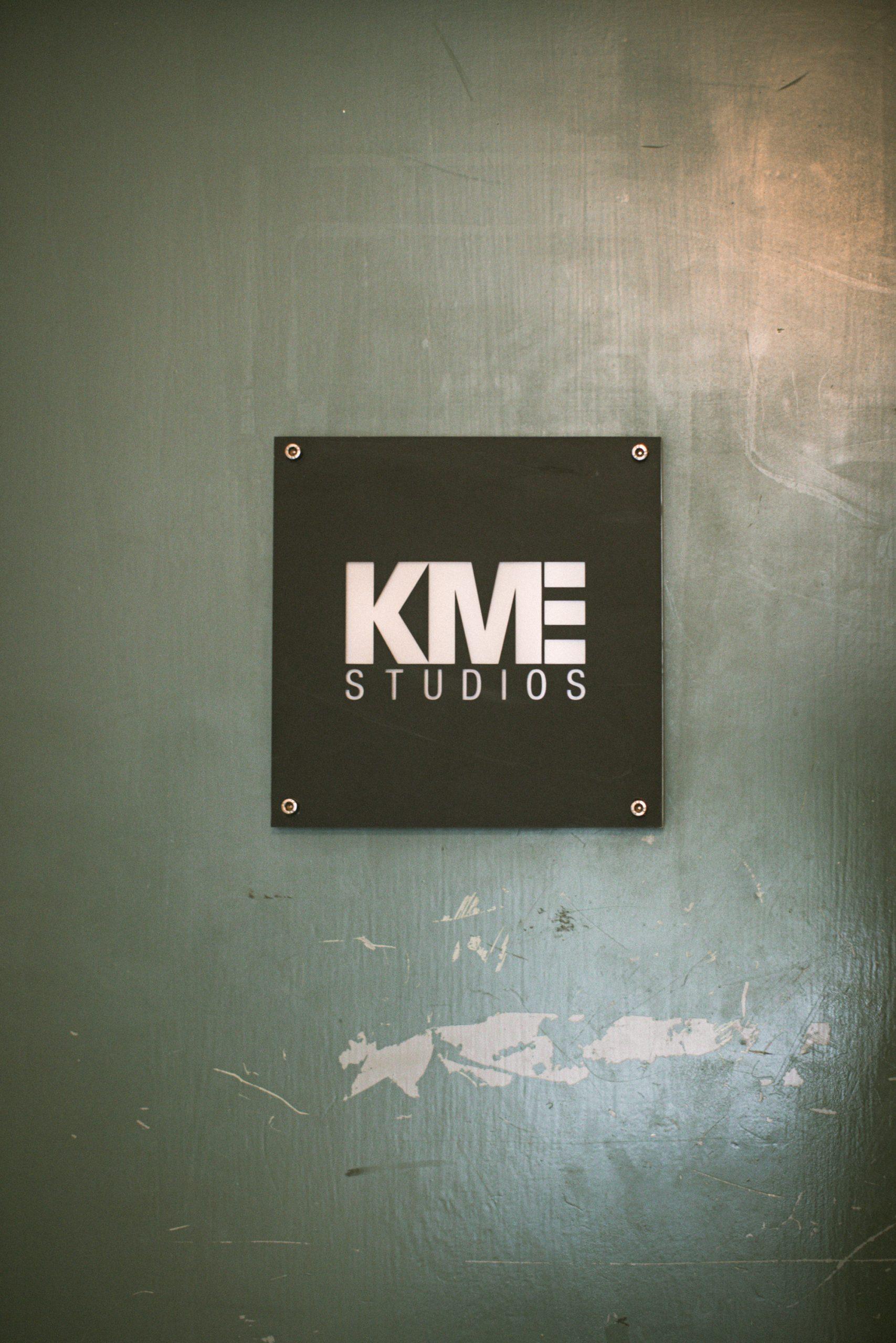 kme-studios-eingangstuer